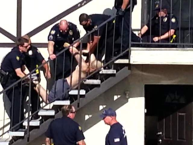 KNXV_Michael_Angel_Ruiz_dies_after_taken_into_police_custody_20130820174916_640_480
