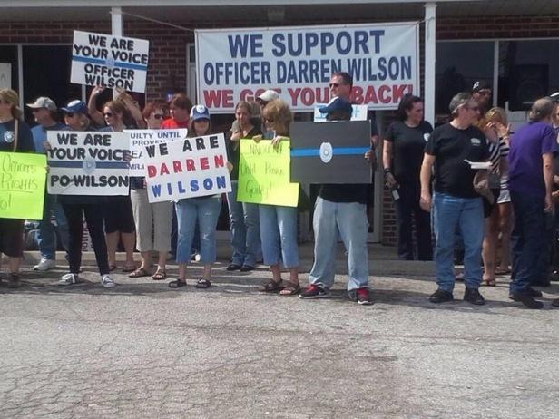 Darren Wilson supporters